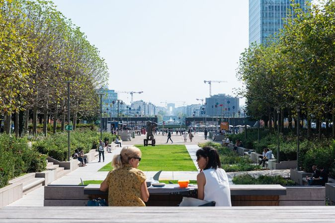 The Park, the Green Heart of La Défense (c) Paris La Défense - Constance Decorde